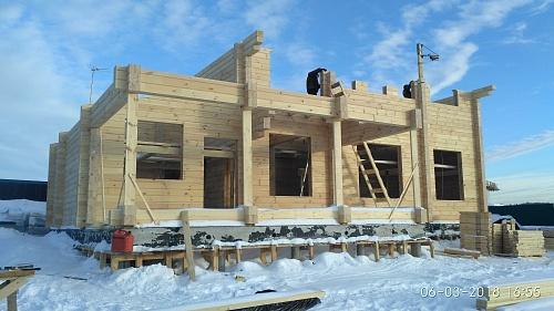 Монтаж первого этажа дома из бруса